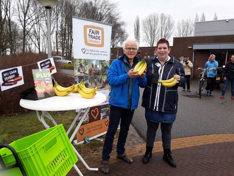 2018-03-uitdelen-FT-bananen-Elverloop